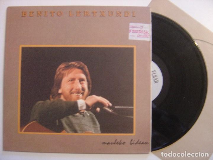 BENITO LERTXUNDI - MAULEKO BIDEAN - LP CON INSERTO 1987 - ELKAR - COMO NUEVO (Música - Discos - LP Vinilo - Solistas Españoles de los 70 a la actualidad)