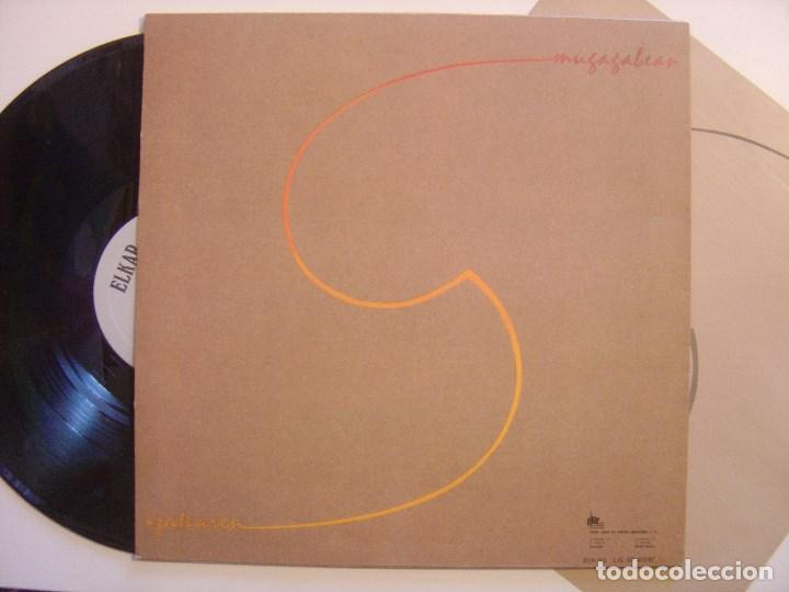 Discos de vinilo: BENITO LERTXUNDI - mauleko bidean - LP CON INSERTO 1987 - ELKAR - COMO NUEVO - Foto 2 - 144564006