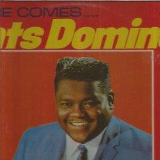 Discos de vinilo: FATS DOMINO HERE COMES + REGALO SORPRESA. Lote 144707986