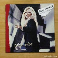 Discos de vinilo: KIM CARNES - MISTAKEN IDENTITY - LP. Lote 144854660