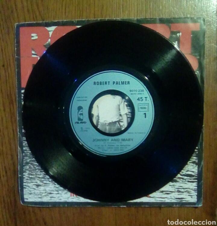 Discos de vinilo: Robert Palmer - Johnny and mary / In walks love again, Island Records, 1980. France. - Foto 3 - 145349666