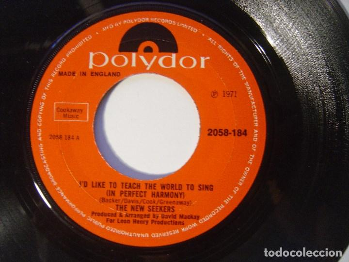 THE NEW SEEKERS - I'D LIKE TO TEACH THE WORLD TO SING / BOMM TOWN - SINGLE UK 1971 - POLYDOR (Música - Discos - Singles Vinilo - Pop - Rock - Internacional de los 70)