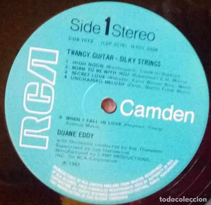 Discos de vinilo: Duane Eddy. Twangy guitar silky strings. RCA-Camden, UK 1970 LP - Foto 3 - 147206706