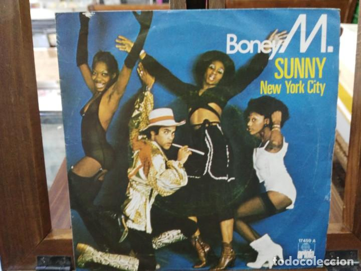 Discos de vinilo: Boney M. - Sunny, New Rork City -Single del Sello Ariola 1976 - Foto 1 - 147438994
