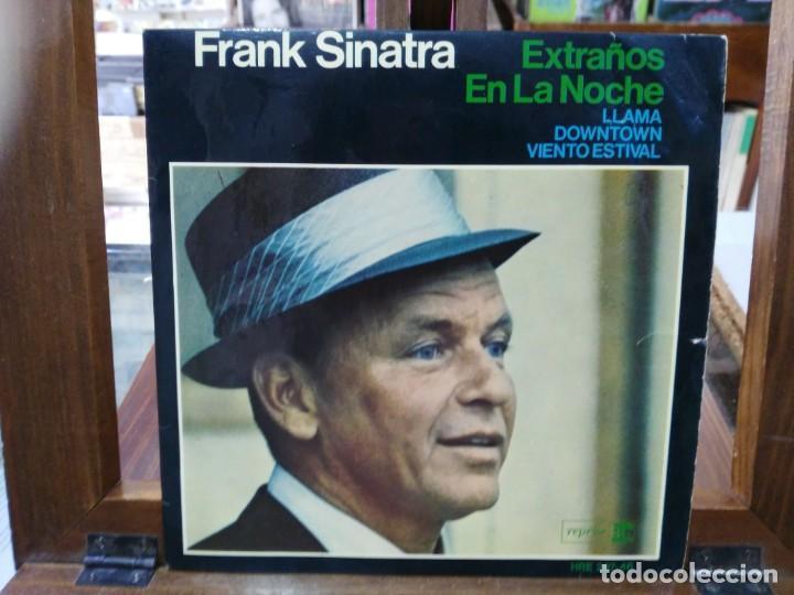 FRANK SINATRA - EXTRAÑOS EN LA NOCHE / ¡LLAMA! - EP. DEL SELLO REPISE RECORDS 1966 (Música - Discos de Vinilo - EPs - Pop - Rock Extranjero de los 70)