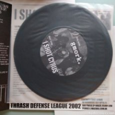 Discos de vinilo: I SHOT CYRUS / GMORK – I SHOT CYRUS / ALFRED HITCHCOCK. Lote 147562542