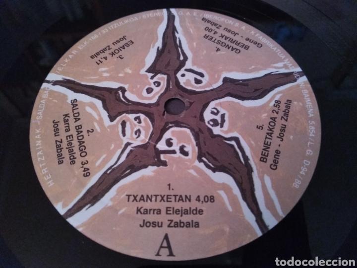 Discos de vinilo: HERTZAINAK - LP SALDA BADAGO - LP ROCK VASCO - Foto 5 - 147690025