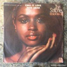 Discos de vinilo: THE SOFTONES - CALL IT LOVE . SINGLE . 1977 HOLE RECORDS. Lote 147979682