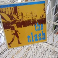 Discos de vinilo: THE CLASH ‎– BLACK MARKET CLASH.LP ED. ESPAÑA 1981.SELLO CBS.DUB/PUNK. Lote 148199774