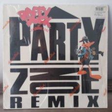 Discos de vinilo: DISCO VINILO PARTY ZONE REMIX DAFFY DUCK. Lote 148625121