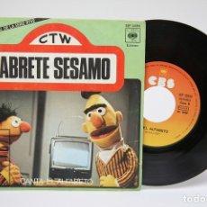 Discos de vinilo: DISCO SINGLE VINILO - ABRETE SESAMO / CANTA - EL ALFABETO - BARRIO SESAMO - CBS - 1976. Lote 149313692