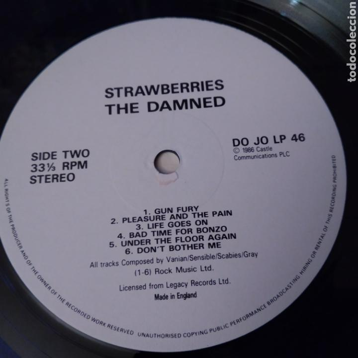 Discos de vinilo: THE DAMNED. STRAWBERRIES LP AÑO 1986 - Foto 6 - 149639357