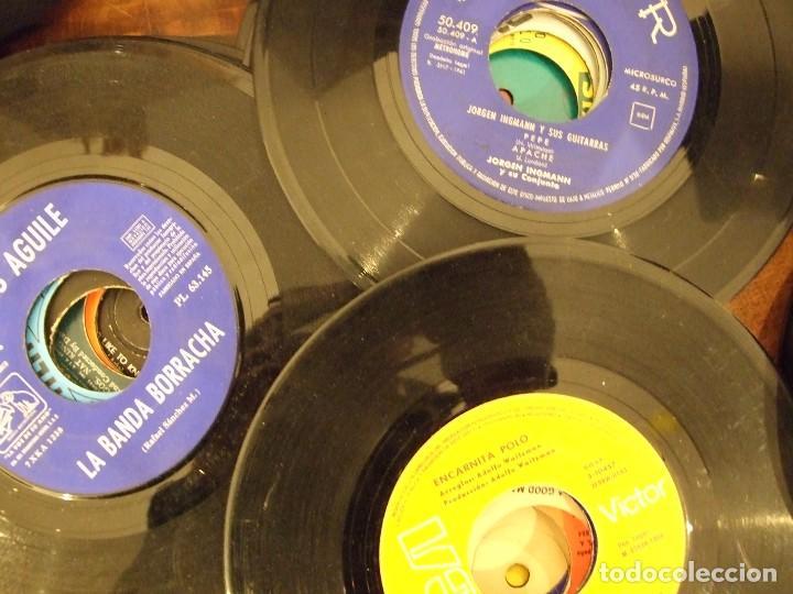 Discos de vinilo: GRAN LOTE DE SINGLES 80 SIN CARATULA - MUSICA VARIADA ANTERIOR A LOS 80 - Foto 3 - 149639454