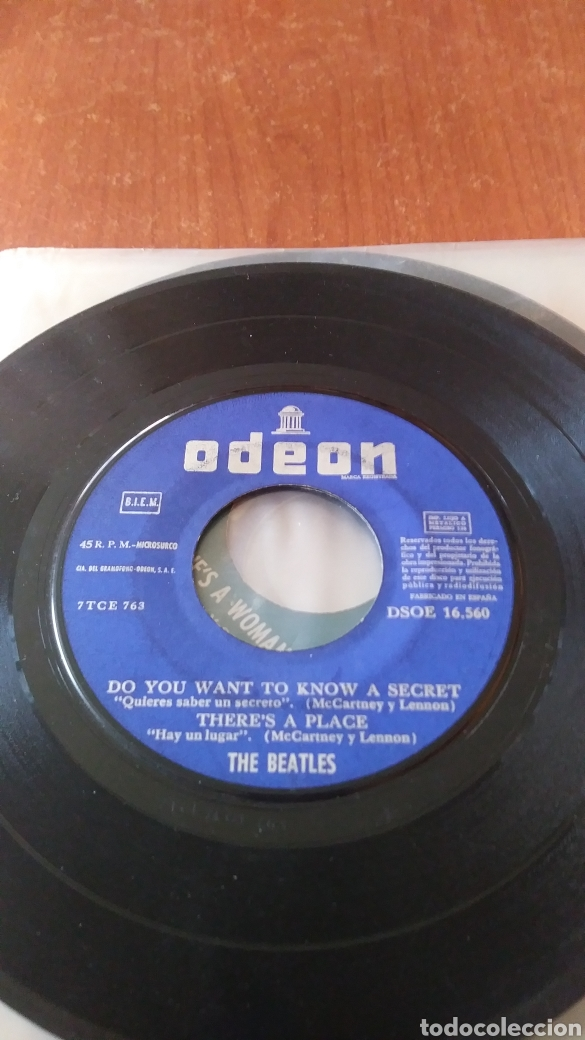 Discos de vinilo: The Beatles. Twist and Shout. 1963. maxi single. Sin portada. - Foto 2 - 149682694