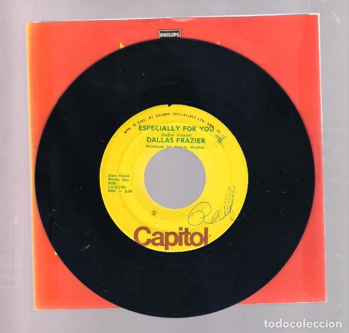 Discos de vinilo: DALLAS FRAZIER - Tennesse Sue / Especially For You (single 7 ) - Foto 2 - 149975342
