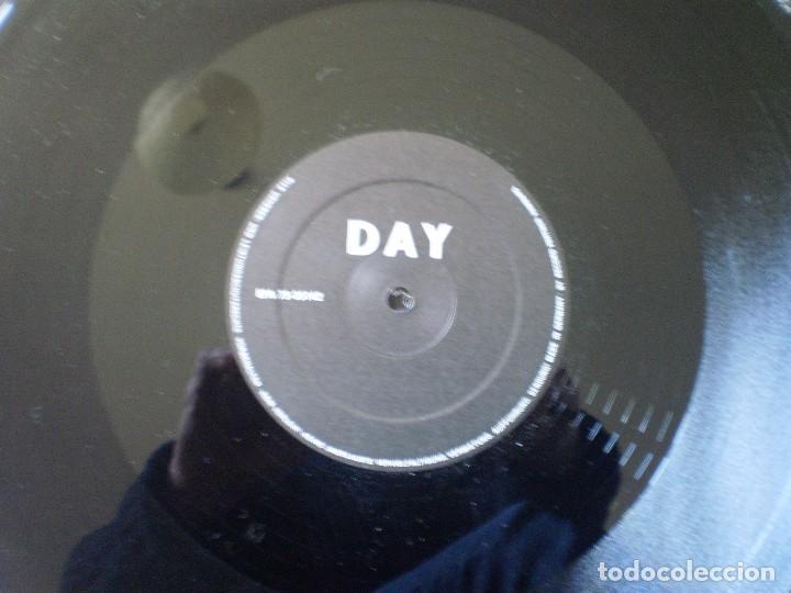 Discos de vinilo: MAXI 12 PULGADAS. NO PIGS. BLACK DAY + 3. - Foto 3 - 150209538