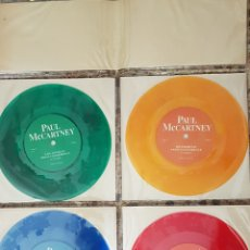 Discos de vinilo: PAUL MCCARTNEY PACK 4 SINGLES EDITADOS EN INGLATERRA PRESS CONFERENCE VINILOS COLOR.. Lote 150544213