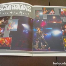 Discos de vinilo: SCORPIONS - TOUR PROGRAMME - TOURBOOK - FACE THE HEAT. Lote 150580950