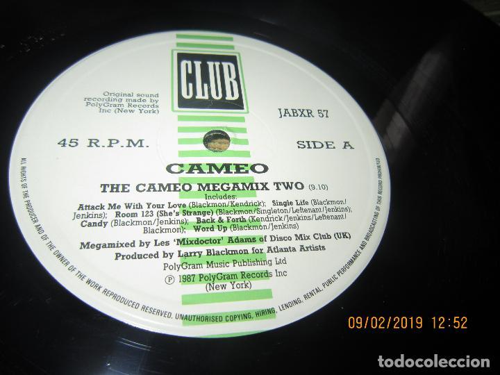 Discos de vinilo: CAMEO - MEGAMIX TWO MAXI 45 R.P.M. - ORIGINAL INGLES - POLYGRAM RECORDS 1987 - - Foto 4 - 151210974