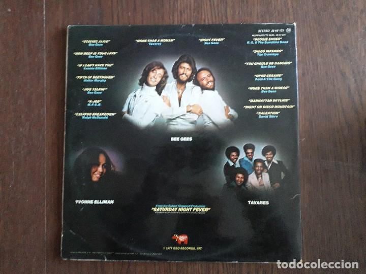 Discos de vinilo: disco vinilo doble LP, Saturday night fever, banda sonora nº 1 en USA. Stereo 2658123 año 1977 - Foto 2 - 151530110