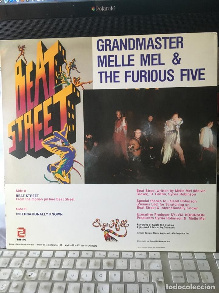 Discos de vinilo: GRANDMASTER MELLE MEL & THE FURIOUS FIVE-BEAT STREET-1984-RARO PROMO-NUEVO - Foto 3 - 151938621