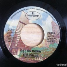 Discos de vinilo: THE DELLS - BETCHA NEVER BEEN LOVED (LIKE THIS BEFORE) / GET ON DOWN - SINGLE 1977 - MERCURY. Lote 152201038