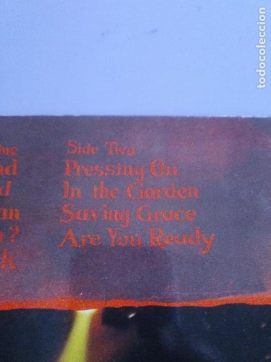 Discos de vinilo: LP BOB DYLAN SAVED.SPAIN AÑO 1980. CBS 86113. + ENCARTE + LETRAS. - Foto 6 - 153594586