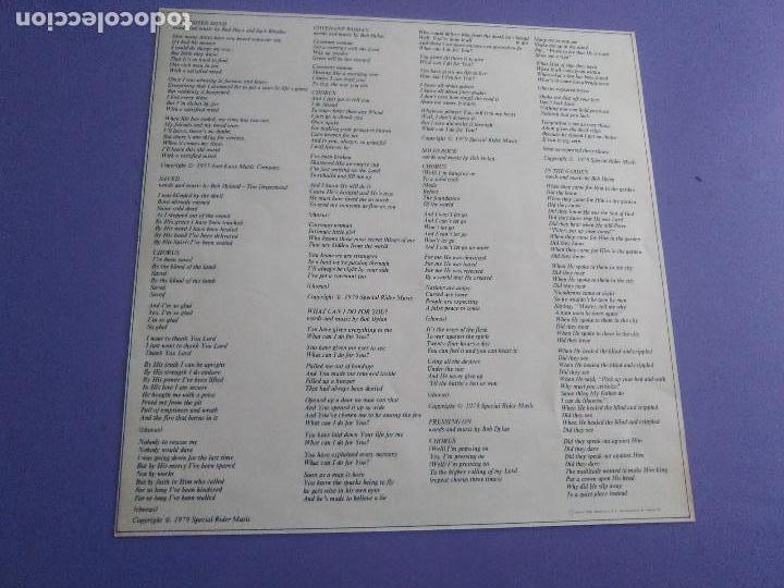 Discos de vinilo: LP BOB DYLAN SAVED.SPAIN AÑO 1980. CBS 86113. + ENCARTE + LETRAS. - Foto 16 - 153594586