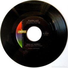 Discos de vinilo: GENE MCDANIELS (EUGENE) WITH THE JOHNNY MANN SINGERS - SPANISH LACE - SINGLE LIBERTY 1962 USA BPY. Lote 154373110