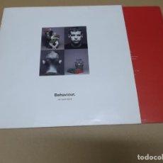Discos de vinilo: PET SHOP BOYS (LP) BEHAVIOUR AÑO 1990 – ENCARTE CON CREDITOS. Lote 155155146