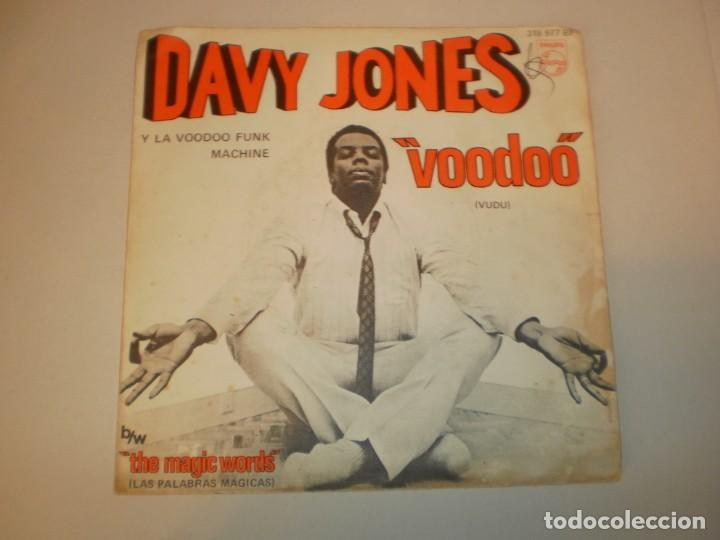 SINGLE DAVY JONES. VOODOO (VUDÚ). THE MAGIC WORDS PHILIPS 1969 SPAIN (PROBADO Y BIEN, SEMINUEVO) (Música - Discos - Singles Vinilo - Pop - Rock Extranjero de los 50 y 60)
