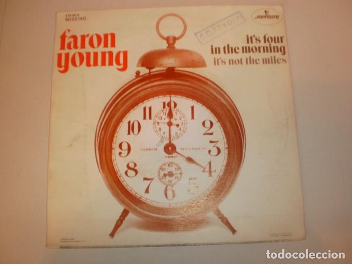 Discos de vinilo: single faron young. its four in the morning. its not the miles.mercury 1972 spain (seminuevo) - Foto 2 - 155252494
