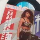 Discos de vinilo: SINGLE (VINILO) DE SINITTA AÑOS 90. Lote 155609346