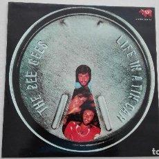 Discos de vinilo: BEE GEES LIFE IN A TIN CAN RSO 1973. Lote 156858850