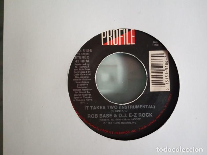Discos de vinilo: ROB BASE & DJ E-Z ROCK IT TAKES / IT TAKES TWO (INSTRUMENTAL) HIP HOP ORIGINAL USA 1988 VG+ - Foto 2 - 157383526