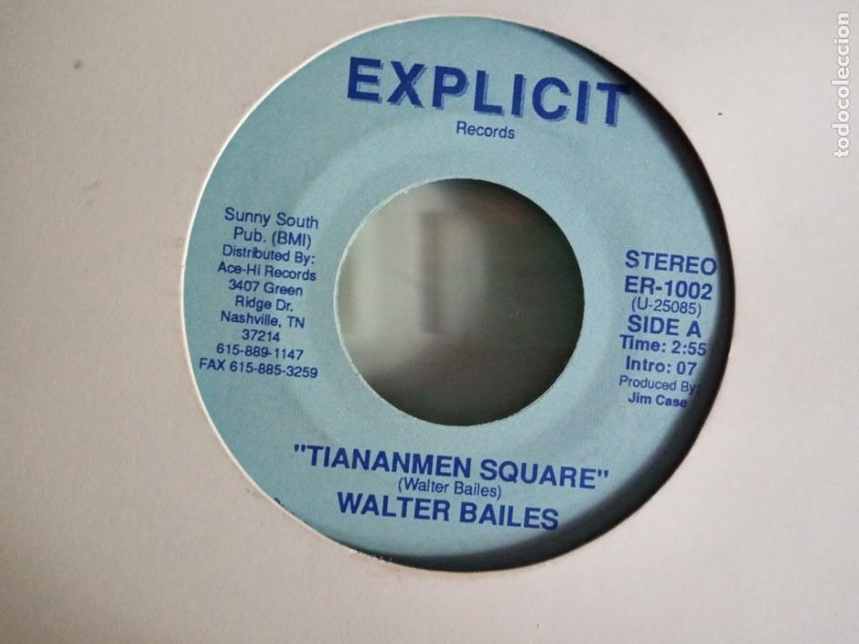 WALTER BAILES TIANANMEN SQUARE / THE BERLIN WALL COUNTRY ORIGINAL USA 1989 RARO NM (Música - Discos - Singles Vinilo - Country y Folk)