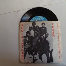 Discos de vinilo: KOOL & THE GANG-SINGLE FRESH. Lote 157388618