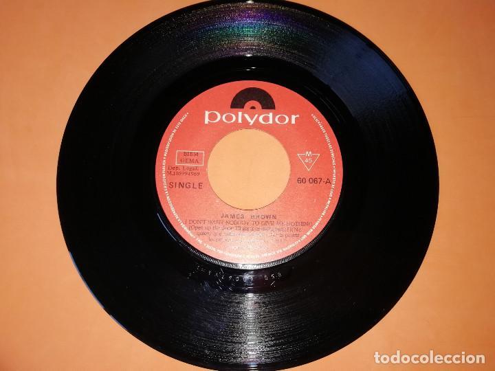 Discos de vinilo: JAMES BROWN / NO QUIERO QUE NADIE ME DE NADA, ABRE LA PUERTA, LO COGERE YO MISMO (PARTES 1 Y 2 (1969 - Foto 3 - 157729230
