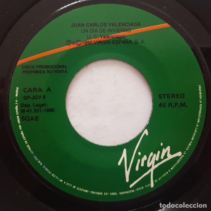 Discos de vinilo: SINGLE / JUAN CARLOS VALENCIAGA / UN DÍA DE INVIERNO / 1990 PROMO - Foto 3 - 158140866