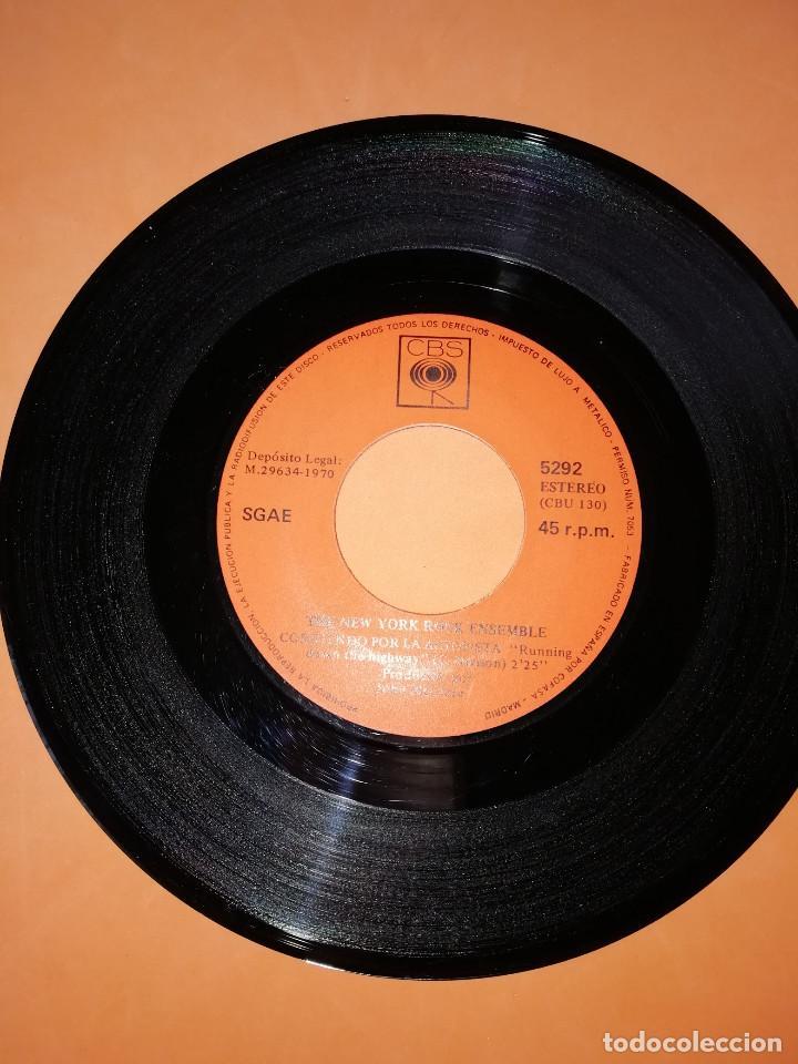 Discos de vinilo: THE NEW YORK ROCK ENSEMBLE . CORRIENDO POR LA AUTOPISTA . CBS 1970 - Foto 3 - 158145358
