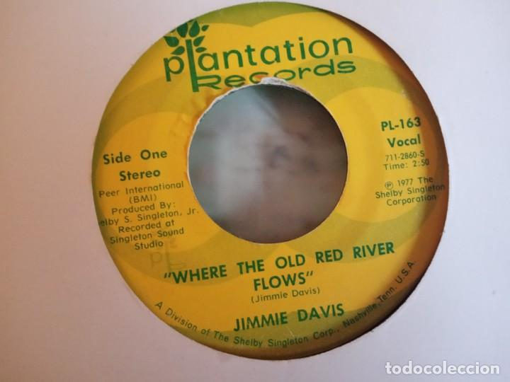 Discos de vinilo: JIMMIE DAVIS HOLD ME / WHERE THE OLD RED RIVER FLOWS COUNTRY ORIGINAL USA 1977 VG- - Foto 2 - 158169818
