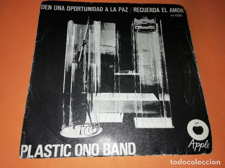 PLASTIC ONO BAND. DEN UNA OPORTUNIDAD A LA PAZ / RECUERDA EL AMOR. APPLE. MADRID 1969 (Música - Discos - Singles Vinilo - Pop - Rock Extranjero de los 50 y 60)