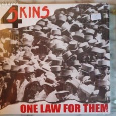 Discos de vinilo: 4 SKINS ONE LAW FOR THEM / BRAVE NEW WORLD PUNK OI EDICIÓN LIMITADA RSD ITALIA 2016 VINILO COLOR NM. Lote 158413718