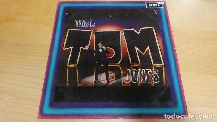 LP DISCO THIS IS TOM JONES . (Música - Discos - LP Vinilo - Pop - Rock - Extranjero de los 70)