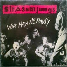 Discos de vinilo: STRASSENJUNGS. WIR HAM NE PARTY. TRITT RECORDS (TRITT 001) GERMANY 1979 LP. Lote 159740490