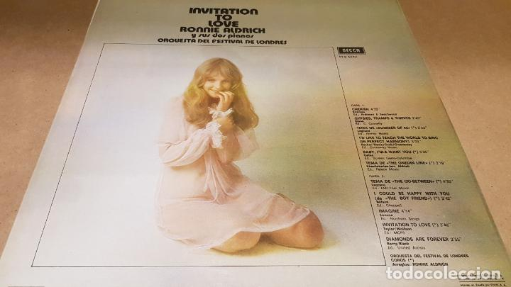 Discos de vinilo: RONNIE ALDRICH Y SUS DOS PIANOS / INVITATION TO LOVE / LP - DECCA-1973 / CALIDAD LUJO. ****/**** - Foto 2 - 159851306