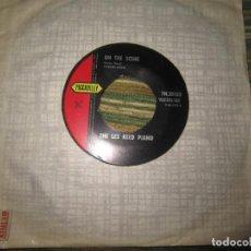 Discos de vinilo: THE LES REED PIANO - ON THE SCENE SINGLE - ORIGINAL INGLES - PICADILLY RECORDS1963 - MONOAURAL. Lote 159979182