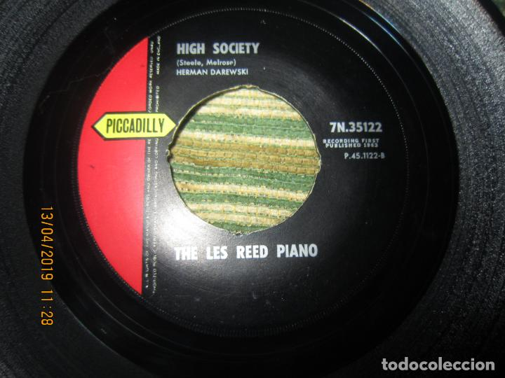 Discos de vinilo: THE LES REED PIANO - ON THE SCENE SINGLE - ORIGINAL INGLES - PICADILLY RECORDS1963 - MONOAURAL - Foto 3 - 159979182