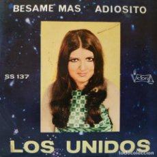 Discos de vinilo: LOS UNIDOS - BESAME MAS / ADIOSITO SINGLE VICTORIA S - 137 DE 1972 MUY RARO - VINILO Y FUNDA NUEVOS. Lote 160153018
