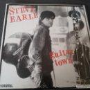 Discos de vinilo: STEVE EARLE --- GUITAR TOWN // COMO NUEVO. Lote 160573314
